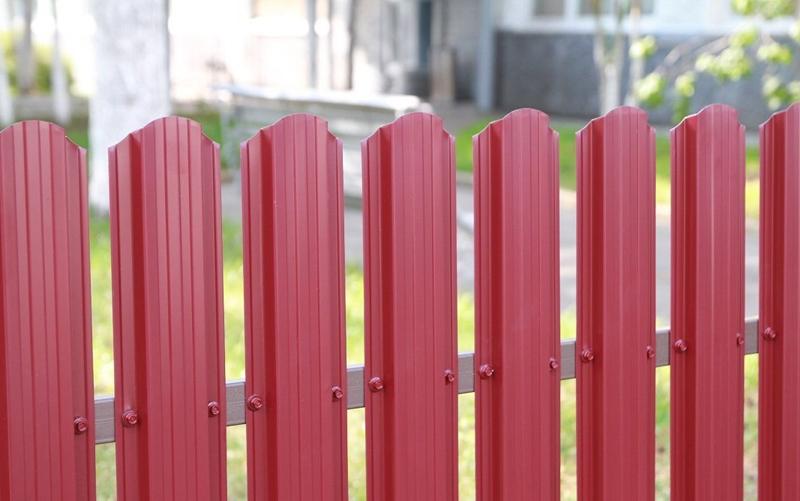 Забор из металлоштакетника в Калуге